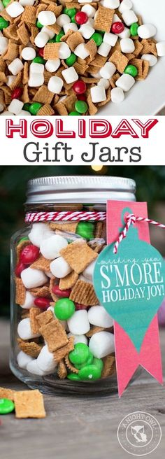 Super easy last minute Christmas gift! These homemade holiday mason jar gifts wi. Super easy last minute Christmas gift! These homemade holiday mason jar gifts with free printables are perfect for just . Pot Mason Diy, Mason Jar Gifts, Mason Jar Christmas Gifts, Gift Jars, Easy Diy Gifts, Easy Homemade Christmas Gifts, Diy Christmas Snacks, Diy Gift Ideas For Christmas, Last Minute Christmas Gifts Diy