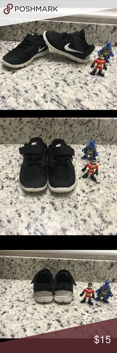 Nike Free 5.0 for Toddlers Gently used Nike Shoes Sneakers