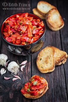 salata de ardei copti 1 Edith's Kitchen, Good Food, Yummy Food, Romanian Food, Roasted Peppers, Special Recipes, Learn To Cook, Healthy Salads, Chana Masala
