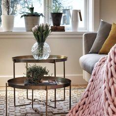 OLYMPUS DIGITAL CAMERA Olympus Digital Camera, Blanket, Table, Furniture, Home Decor, Blankets, Interior Design, Home Interior Design, Comforter
