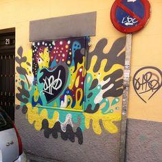 Spray and destroy #allcoloursarebeatiful #street #streetart #urban #spraypaint #sprayanddestroy #vandals #madridstreetart #urbanart #colorful by drhomes