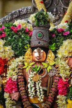 Bal Hanuman, Hanuman Pics, Lord Murugan Wallpapers, Lord Rama Images, Krishna Art, Hare Krishna, Lord Shiva Painting, Sweet Lord, Lord Krishna Images