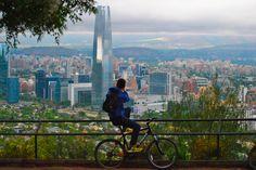 Admirando el paisaje  Cerro San Cristóbal, Santiago de Chile