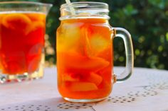Need a refreshing drink for the hot summer days? Nothing is better than a sweet peach iced tea! This classic southern treat is perfect for a pool party day. Sweet Tea Recipes, Iced Tea Recipes, Drink Recipes, Appetizer Recipes, Fun Drinks, Yummy Drinks, Beverages, I Heart Recipes, Simple Recipes