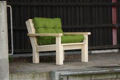 Steigerhouten Loungestoel Landelijk met groene kussens