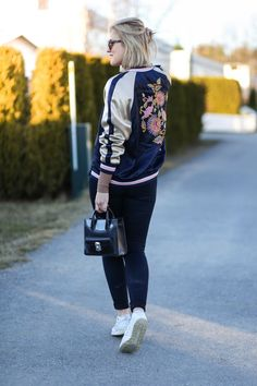 @Kaja Marie blooms with beauty in our embroidered trend pilot jacket.   H&M OOTD
