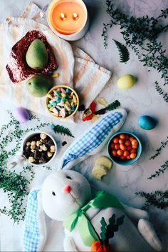 Bringing out the Easter basket full of @harryanddavid goodies. Check out the Egg-citing scavenger hunt where 3 winners will win $500 gift cards! Happy hunting! #sweepstakes #harryanddavid http://bit.lyeggcitinghunt