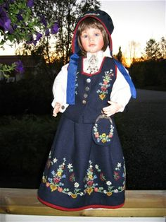 Bunadsdukker - www. Folk Fashion, Lofoten, 18 Inch Doll, American Girl, Norway, Folk Art, Scandinavian, Doll Clothes, Pride