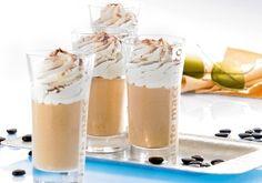 bailey`s koffie. 1 maatje Bailey`s - 1 kopje warmekoffie(sterk) - 1 toefje slagroom- chocoladeschilfertjes. Hmmmm nieuwe verslaving! ~s