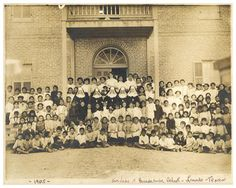 Our Lady of Guadalupe School in Laredo, Texas 1905 Laredo Texas, Texas Usa, Mexican American, American History, Texas History, Historical Images, U.s. States, Our Lady, Holy Spirit