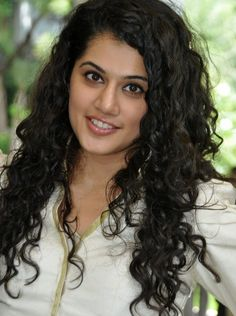 cool Tapsee Pannu Cute Pictures Bollywood