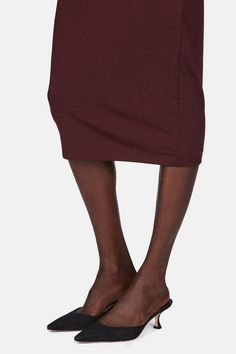 T by Alexander Wang is a source of relaxed yet flattering pieces in a subtle and seasonless palette. This stretch knit pencil skirt sharpens the typical T silhouette but retains its all-year-round ease. Lined for a smooth fit, the sleek silhouette is finished with a hidden side zipper.