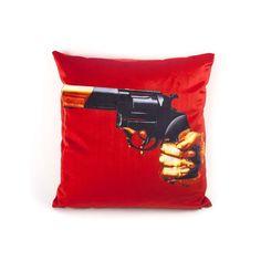 Seletti-Fodera per cuscino Revolver Toiletpaper Revolver, Velvet Furniture, Furniture Care, Ferrari, Fancy Store, Custom Glock, Stoff Design, Rug, Retro Images
