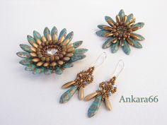 Dos gerberas de Perleu4 y los pendientes. El conjunto completo espero que os guste. Dagas doradas de www.beads-perles.com/
