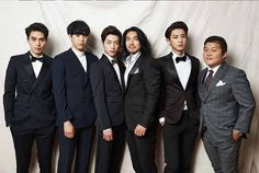The Boys of 'Roommate' Pose for a Formal Photo   Koogle TV