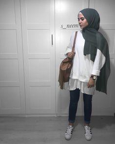 Pinterest: @adarkurdish Arab Fashion, Muslim Fashion, Fashion 2017, Modest Fashion, Street Fashion, Hijab Teen, Modele Hijab, Hijab Fashion Inspiration, Modest Wear