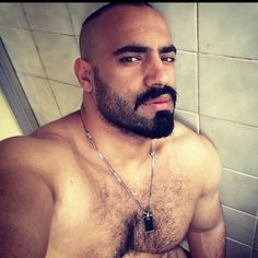 Peludos: Abdominales y pecho peludo