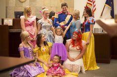 Ένα δικαστήριο μεταμορφώθηκε σε Disneyland για την υιοθεσία 5χρονης!