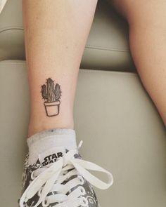The Best Cactus Tattoo Design For You – Tattoos Mini Tattoos, Little Tattoos, Black Tattoos, Body Art Tattoos, New Tattoos, Small Tattoos, Cool Tattoos, Tatoos, Piercing Tattoo