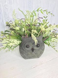 Are you an owl fan too? We teach hundreds of people how to design and create in our Design School. We also have a Facebook community where we show our creations and use interesting products in new and creative ways. Join Kelea's today! spring decoration, wreath drawing, making wreaths, wreath, wreaths meaning etsy wreath, country wreaths for front door Etsy Wreaths, Owl Wreaths, Easter Wreaths, Christmas Wreaths, Front Door Decor, Wreaths For Front Door, Wreath Drawing, Country Wreaths, Christian Decor