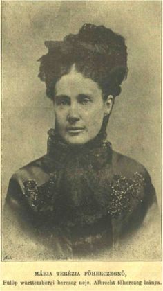 Photographie de la duchesse de Wurtemberg, née archiduchesse Marie-Thérèse de Áustria-Teschen (1845-1927).
