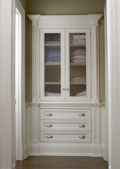 Built-in linen closet designed by CMID www.cmidesign.ca #CMID