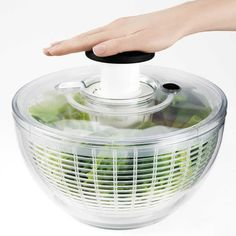 The Oxo Salad Spinner - size large - really works well for rinsing and drying your fresh greens. I use it for salad and herbs. Cooking Gadgets, Cooking Tools, Kitchen Supplies, Kitchen Tools, Test Kitchen, Veg Trug, Kitchen Utensils, Kitchen Appliances, Kitchens