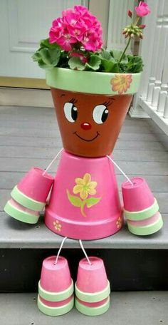 Zrób to sama! Clay Pot Projects, Clay Pot Crafts, Easy Crafts, Diy And Crafts, Flower Pot Art, Clay Flower Pots, Flower Pot Crafts, Flower Pot People, Clay Pot People