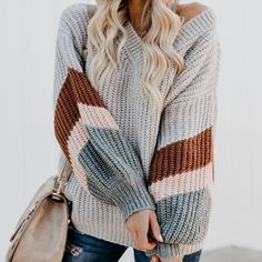 The casual v neck contrast color loose sweater is a good choice of fashion and it suits many fall occasions also spring. sweaters for women fall,sweaters for women cute,sweaters cute,sweaters street style,sweaters women Mode Outfits, Casual Outfits, Fashion Outfits, Womens Fashion, Fashion Trends, Casual Clothes, Casual Shirts, Casual Attire, Cute Clothes