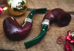 Holiday Gift Guide #2: Peterson Christmas 2016 Pipes. http://smokingpip.es/2gcmudI