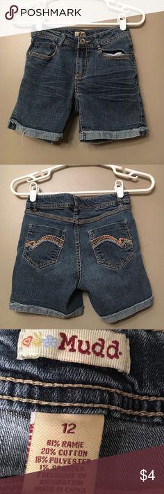 Jean Shorts Cuffed • Frayed (style) • Adjustable Waist • Good Condition Mudd Bottoms Shorts