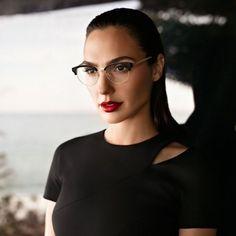 Gal Gadot protagoniza la campaña Eyewear de Erocca