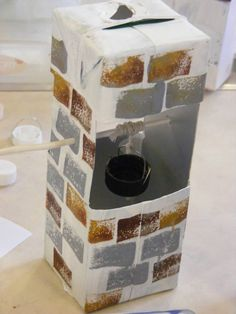 milk carton well craft - great for 'Woman at the Well' Bible story (thanks to Sandbach Messy Church)