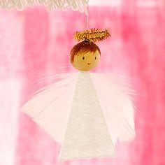 Creative Holiday Crafts for Kids: Feathery Angel (via FamilyFun Magazine) Diy Christmas Ornaments, Homemade Christmas, Christmas Angels, Christmas Projects, Kids Christmas, Angel Ornaments, Merry Christmas, Easy Ornaments, Kids Crafts