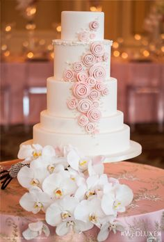 Style File: All That Glitters | WedLuxe Magazine| Cake Design- For Goodness Cakes| Planning & Design- Divine Occasions| Photography- Inije Photography & Films