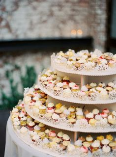 Note to all brides: Cupcakes are always a good idea!