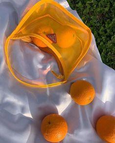 Orange Aesthetic, Summer Aesthetic, Aesthetic Photo, Aesthetic Pictures, Aesthetic Food, Look Fashion, Fashion Bags, Fashion Accessories, Orange Accessories