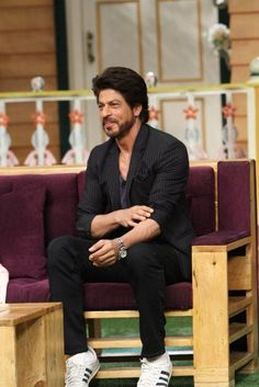Shahrukh Khan is one of the top most richest actors in the entire world and you can check here the full Shahrukh Khan [SRK] movies list. Shahrukh Khan And Kajol, Shah Rukh Khan Movies, Salman Khan, Indian Celebrities, Bollywood Celebrities, Richest Actors, Srk Movies, Dear Zindagi, Kapil Sharma