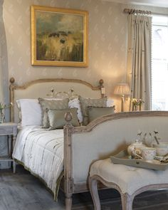 Susie Watson, English Interior, Country House Hotels, Pretty Room, Linens And Lace, French Countryside, Cottage, Cozy, Interior Design