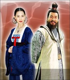 """Emperor of the Sea (Hangul: 해신; RR: Hae-sin; literally """"Sea God"""") is a 2004 South Korean television drama series starring Choi Soo-jong, Chae Shi-ra, Song Il-gook and Soo Ae. It aired on KBS2  for 51 episodes. The period drama is based on Choi In-ho's 2003 novel Hae-sin, which depicts the life of Jang Bogo, who rises from a lowly slave to a powerful maritime figure who dominated the East Asia seas and international trade during the Unified Silla Dynasty. 자미부인과 설평 채시라와 박영규"""