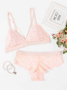 Shop Scalloped Edge Harness Detail Lingerie Set online. SheIn offers Scalloped Edge Harness Detail Lingerie Set & more to fit your fashionable needs.