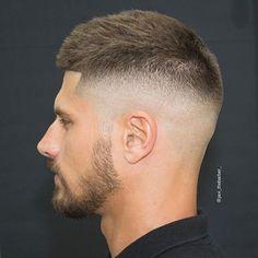 19 kurze Frisuren für Männer #frisuren #kurze #manner Check more at https://trendfrisuren724.com/19-kurze-frisuren-fur-manner/