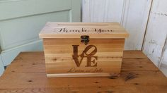 Wedding card box medium size with a lock by Primitiveweddings