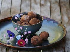 Hello Spring! Vegane Avocado-Schokoladen Trüffel & mehr Zeit für Liebe Vegan Sweets, Ethnic Recipes, Food, Vegane Rezepte, Schokolade, Amor, Meal, Eten, Meals