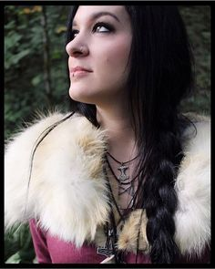 @das_seil_ist_kraft wearing her Mannaz pendant from thewickedgriffin.com - check out her page @midgaarb for painstakingly handcrafted Viking age garb. Photo taken by @northernaesthetic - thewickedgriffin.com
