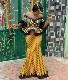 ankara peplum blouse and skirt styles Latest African Fashion Dresses, African Dresses For Women, African Print Fashion, African Attire, African Women, African Style Clothing, Ankara Fashion, Nigerian Dress Styles, Ankara Gown Styles