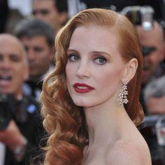 Jessica Chastain luce un peinado años 40, muy de moda, Cannes 2012.