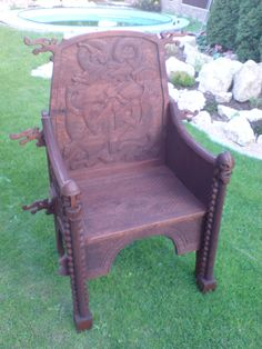 SCA Viking Chair. The dragon heads coming outward from the chair are a nice touch.