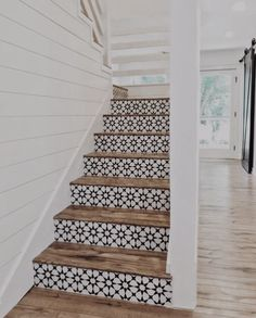 Lovely use of tiles on stair risers. They look stunning against the wood of the steps. Lovely use of tiles on stair risers. They look stunning against the wood of the steps. Home Design, Tile Stairs, Tiled Staircase, Wooden Stairs, Concrete Stairs, Staircase Ideas, Stair Idea, White Staircase, Entryway Stairs