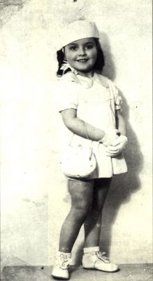 Suzanne Mol Nationality: Jewish Residence: Paris, France Death: 1942 Cause: Murdered in Auschwitz (buried in Auschwitz death camp) Age: 6 years ~